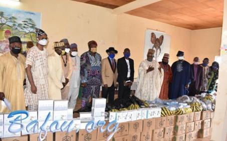 Les élites Bafou de Douala et les associations CCB, DYBAF, CADA, et ASSOMEMo'oh de Douala impriment leur marque dans la lutte contre le COVID 19 à Bafou