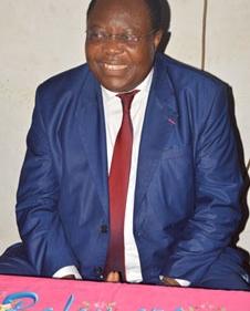 Le Ministre Jean De Dieu MOMO visite les femmes Echio et Sessa' de Yaoundé